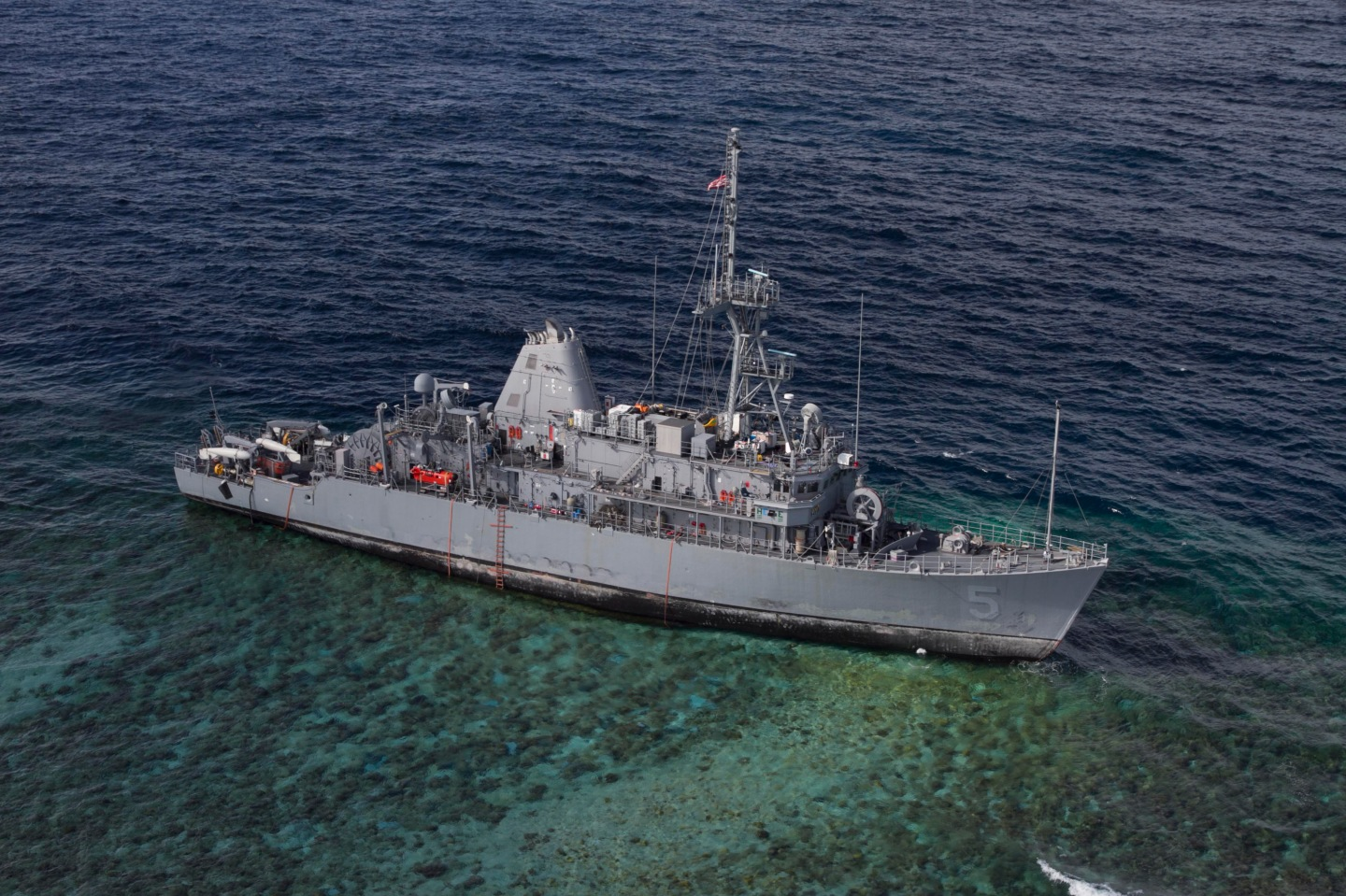 USS_Guardian_aground_in_January_2013 U.S. Navy photo by Aircrewman Tactical Helicopter 3rd Class Geoffrey Trudell