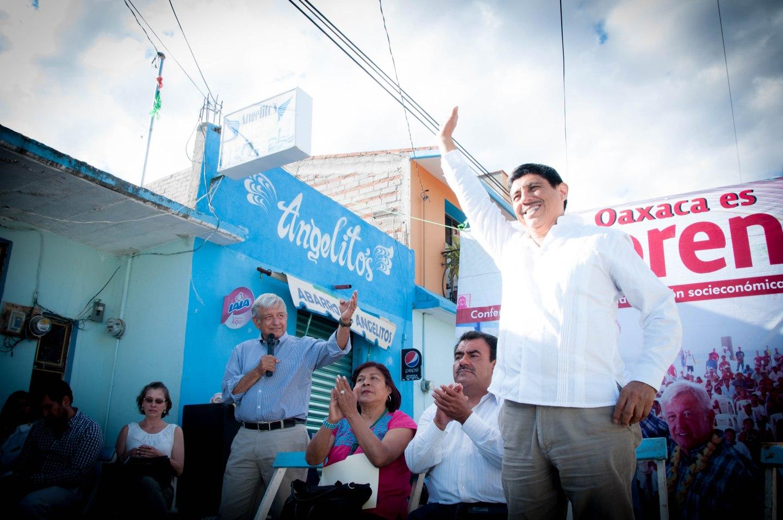 Visita de Salomón Jara y Andrés Manuel López Obrador a San Baltazar Chichicapam Oaxaca