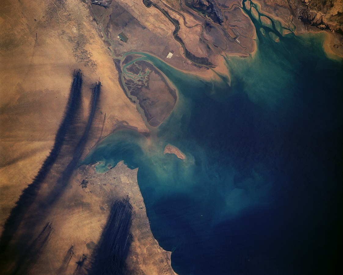 Smoke plumes from the Kuwaiti Oil Fires