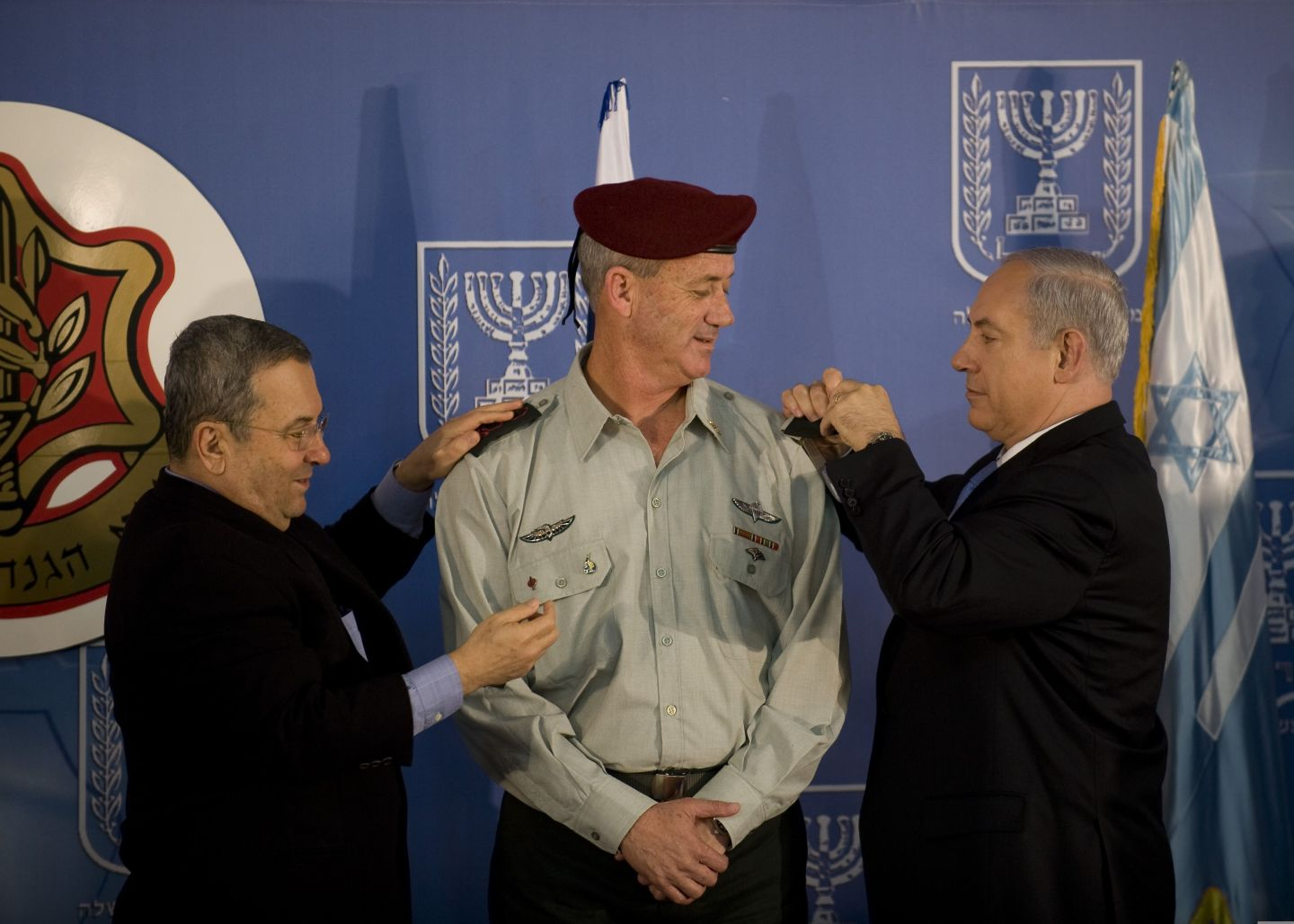 "Rav Aluf Binyamin ""Benny"" Gantz, the 20th Chief of General Staff of the Israel Defense Forces, receiving rav-aluf (Lt. General) rank from the Defense minister Ehud Barak and the Prime minister Binyamin Netanyahu"